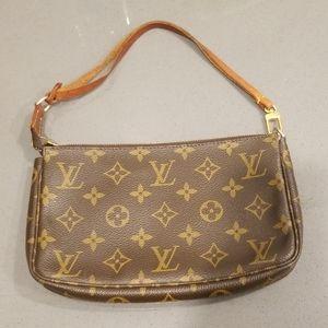 Authentic Louis Vuitton Pochette Shoulder Bag